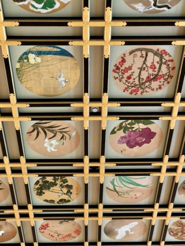 傘松閣の天井のアップ
