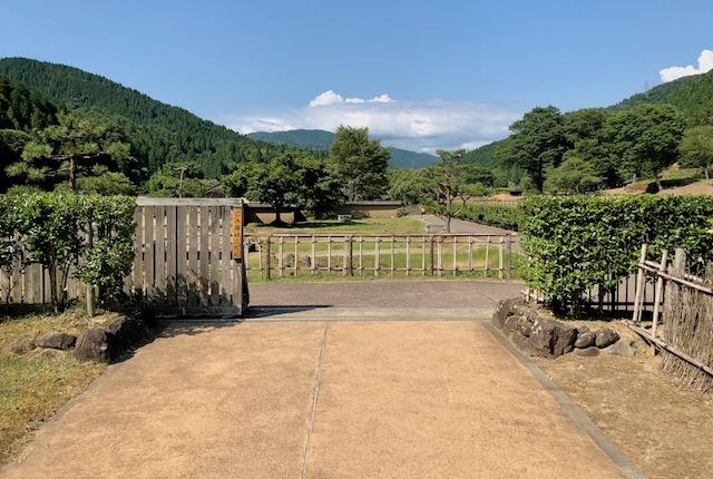 一乗谷朝倉氏遺跡の復原町並の入口