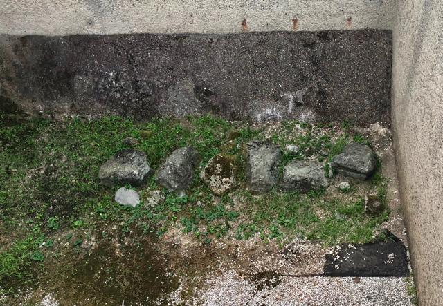柴田神社の境内の中にも、北ノ庄城遺構がありました