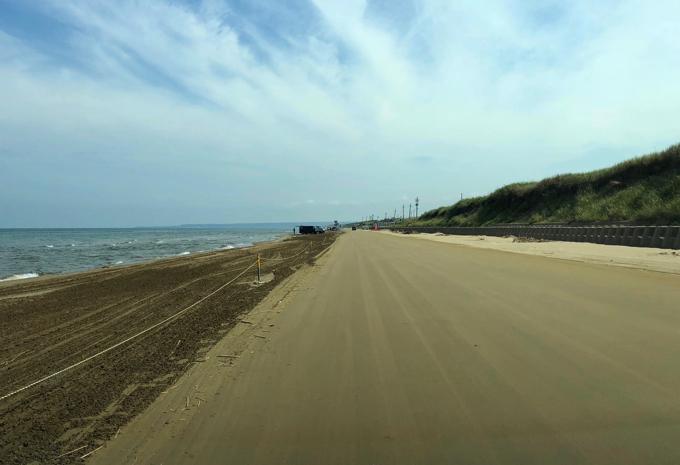 千里浜なぎさドライブウェイのずーーーーーっと砂浜
