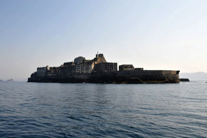 端島(長崎県)|出典:日本の近代化を支えた産業遺産 軍艦島|ながさき旅ねっと