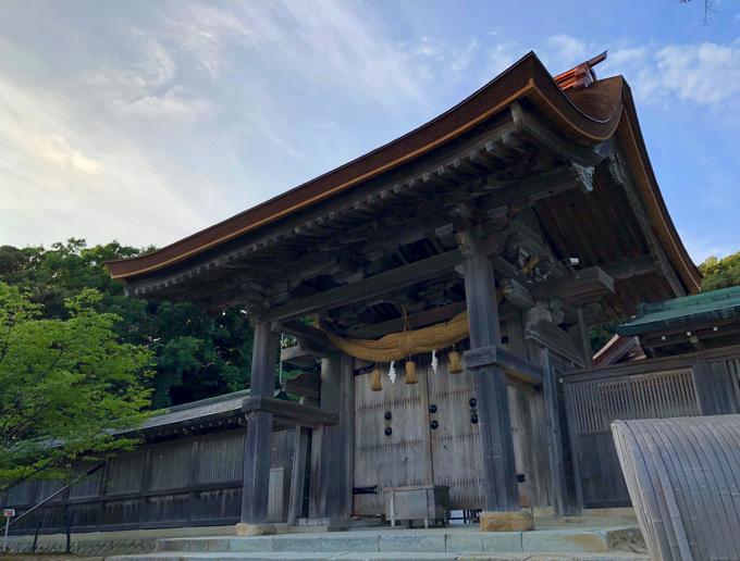 気多大社神門は桃山時代に建てられているもので、重要文化財に指定